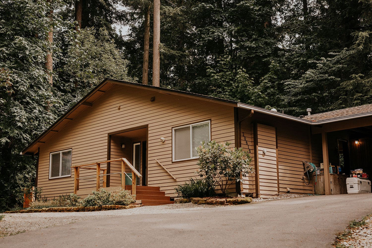 House in the woods near Seattle where bride and groom getting married at home