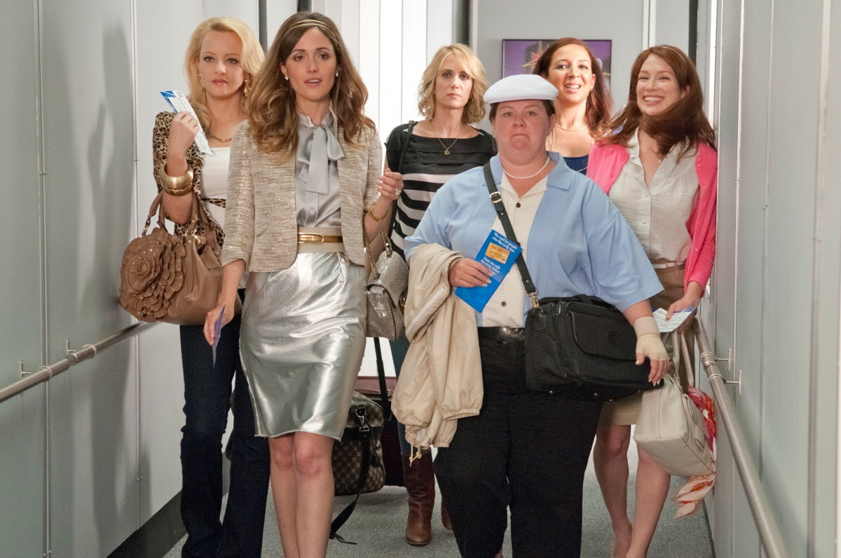 wedding movie, scene from 'Bridesmaids', girls are coming